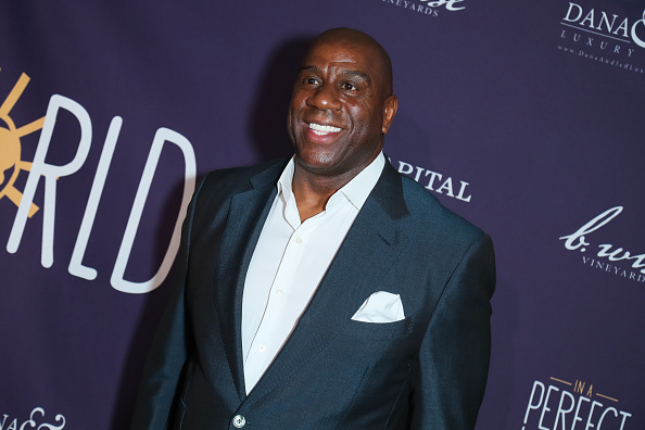 Magic Johnson「Manuela Testolini And Eric Bent Present An Evening Of Music, Art And Philanthropy Benefiting In A Perfect World Honoring Prince - Arrivals」:写真・画像(12)[壁紙.com]