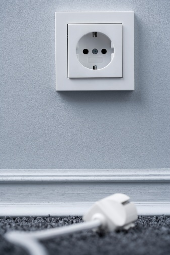 Focus On Background「Electric plug and socket (focus on socket)」:スマホ壁紙(9)
