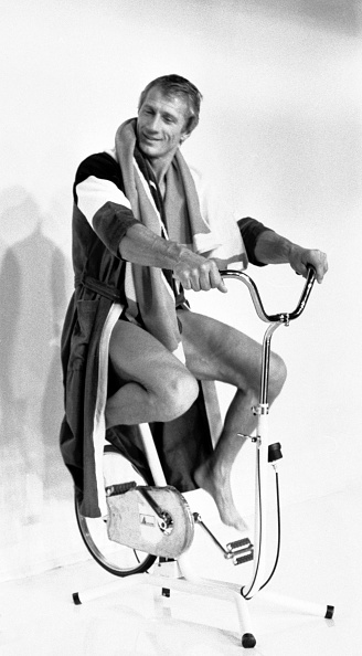 Bathrobe「André Courrèges Fashions」:写真・画像(17)[壁紙.com]