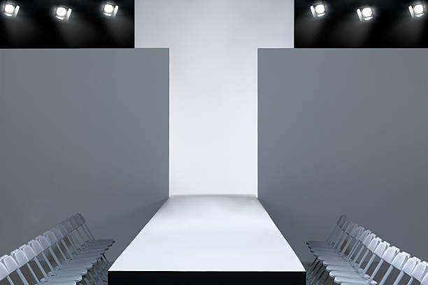 Fashion show and empty catwalk:スマホ壁紙(壁紙.com)