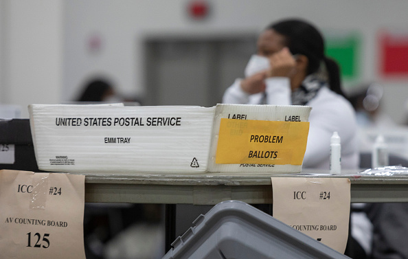 Problems「Michigan Election Officials Process Mail In Ballots Ahead Of Election」:写真・画像(3)[壁紙.com]