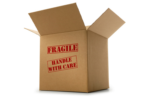 Moving Office「Box labeled fragile and handle with care on white background」:スマホ壁紙(6)