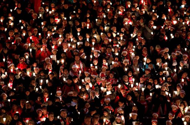 FC Union Fans Gather For Annual Christmas Carols:ニュース(壁紙.com)