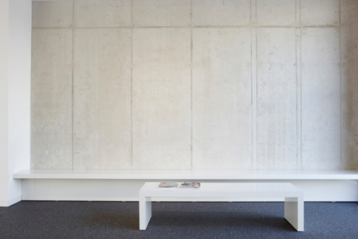 Corporate Business「Bench and table in modern office lobby」:スマホ壁紙(12)