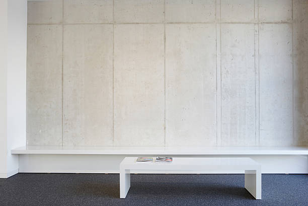 Bench and table in modern office lobby:スマホ壁紙(壁紙.com)