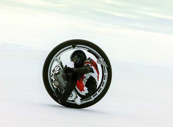 Speed「The Bonneville Salt Flats, Home of Landspeed Record Attempts.」:写真・画像(14)[壁紙.com]