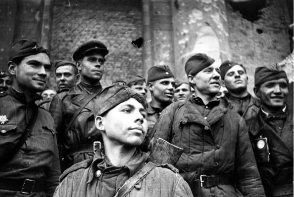 World War II「Proud Troops」:写真・画像(3)[壁紙.com]