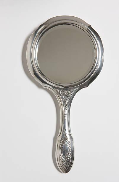 Silver Hand Mirror on White Background:スマホ壁紙(壁紙.com)