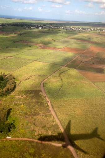 Airplane「Shadow of plane, Mauritius」:スマホ壁紙(13)