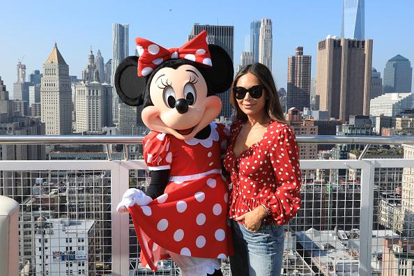 ミニーマウス「Minnie Mouse 90th Anniversary Celebration」:写真・画像(4)[壁紙.com]