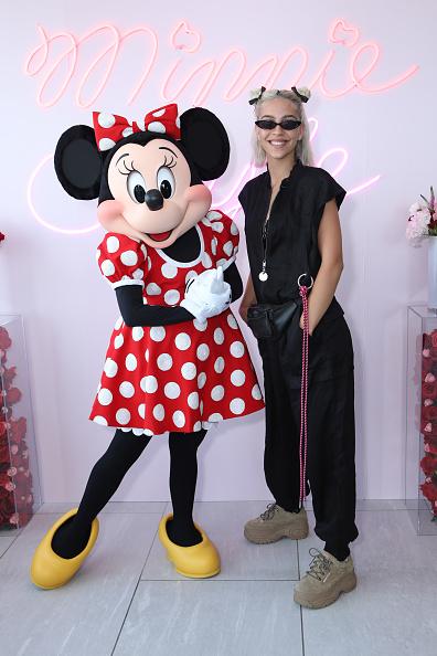 ミニーマウス「Minnie Mouse 90th Anniversary Celebration」:写真・画像(12)[壁紙.com]
