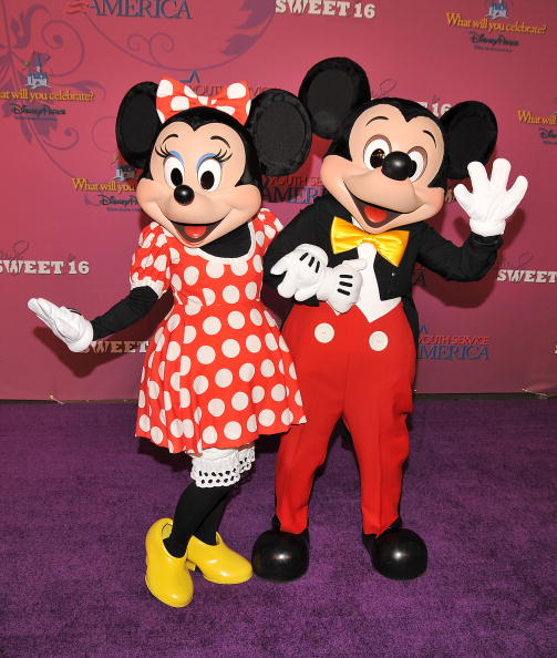 Mickey Mouse「Miley Cyrus' 'Sweet 16' Celebration at Disneyland」:写真・画像(2)[壁紙.com]