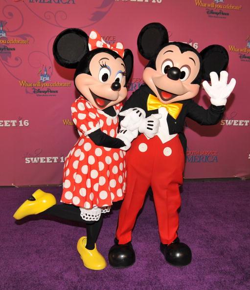 ミニーマウス「Miley Cyrus' 'Sweet 16' Celebration at Disneyland」:写真・画像(6)[壁紙.com]