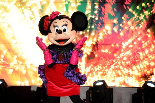 ミニーマウス「Unveiling Moment At Barneys New York & Disney Electric Holiday Spectacular With Sarah Jessica Parker, Bob Iger, and Mark Lee」:写真・画像(19)[壁紙.com]