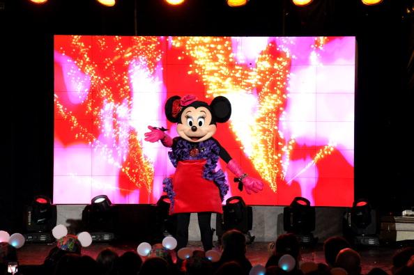 ミニーマウス「Unveiling Moment At Barneys New York & Disney Electric Holiday Spectacular With Sarah Jessica Parker, Bob Iger, and Mark Lee」:写真・画像(18)[壁紙.com]
