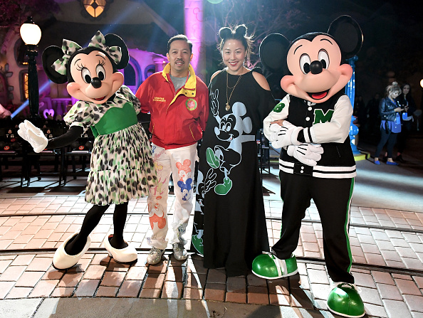 ミッキーマウス「Disney kicks off 'Mickey the True Original' campaign in celebration of Mickey's 90th anniversary with a fashion show at Disneyland featuring a Mickey-inspired collection by Opening Ceremony」:写真・画像(11)[壁紙.com]
