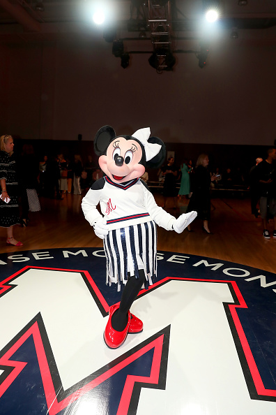 ミニーマウス「Minnie Mouse Takes NYFW」:写真・画像(1)[壁紙.com]