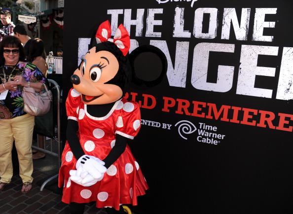 ミニーマウス「Premiere Of Walt Disney Pictures' 'The Lone Ranger' - Red Carpet」:写真・画像(12)[壁紙.com]