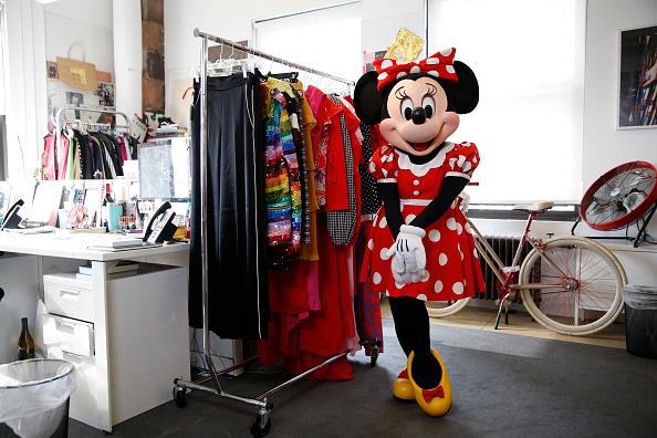 ミニーマウス「Minnie Mouse Takes NYFW」:写真・画像(17)[壁紙.com]
