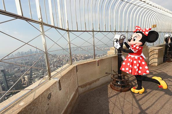 ミニーマウス「Minnie Mouse Takes NYFW」:写真・画像(3)[壁紙.com]