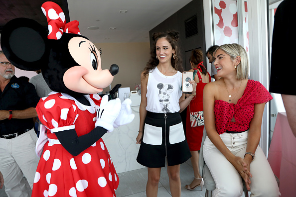 ミニーマウス「Minnie Mouse 90th Anniversary Celebration」:写真・画像(19)[壁紙.com]
