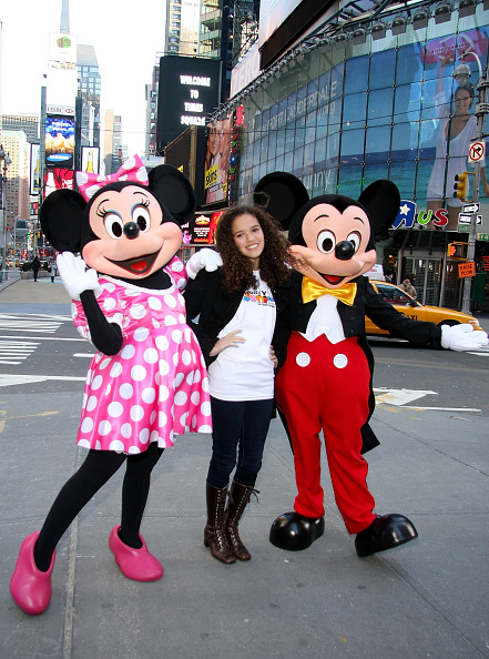 ミッキーマウス「Mickey Mouse And Minnie Mouse Celebrate The Launch Of Disney Junior」:写真・画像(3)[壁紙.com]