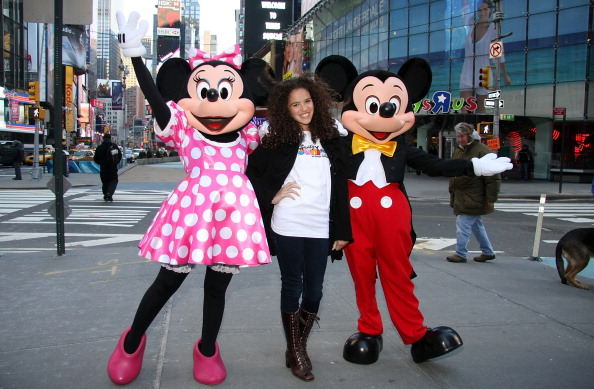 ミニーマウス「Mickey Mouse And Minnie Mouse Celebrate The Launch Of Disney Junior」:写真・画像(11)[壁紙.com]