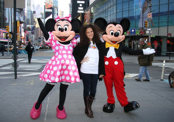 ミニーマウス「Mickey Mouse And Minnie Mouse Celebrate The Launch Of Disney Junior」:写真・画像(13)[壁紙.com]