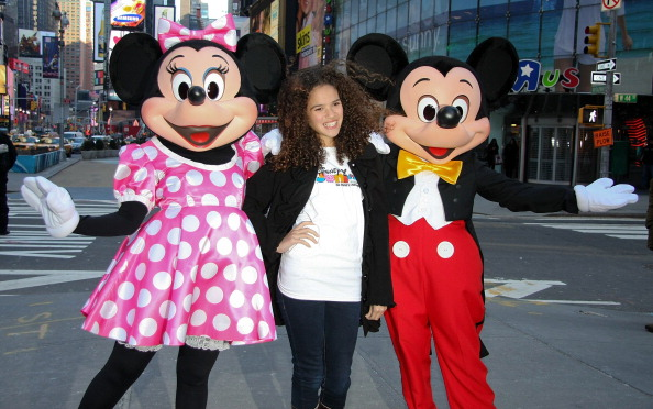 ミニーマウス「Mickey Mouse And Minnie Mouse Celebrate The Launch Of Disney Junior」:写真・画像(17)[壁紙.com]