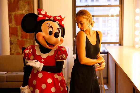 ミニーマウス「Minnie Mouse Takes NYFW」:写真・画像(11)[壁紙.com]