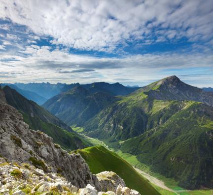 Lech Valley「top view from mt. falschkogel in tirol, austria」:スマホ壁紙(10)