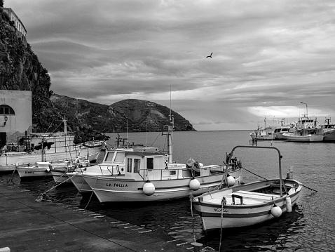 Lipari Island「Lipari Harbor Fishing Boats and Coastline」:スマホ壁紙(19)
