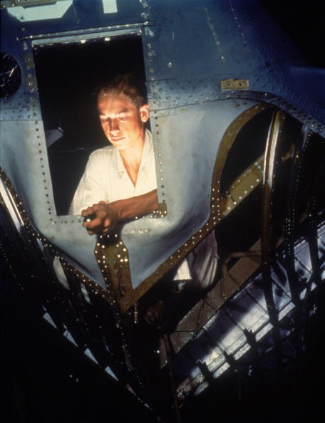 Corpus Christi - Texas「Working On A Bomber」:写真・画像(5)[壁紙.com]