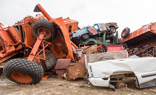 Moose Jaw「Junked vehicles in a wrecking yard」:スマホ壁紙(13)