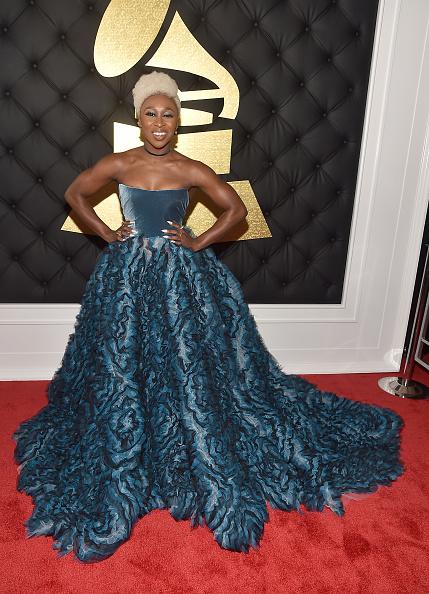 グラミー賞「The 59th GRAMMY Awards - Red Carpet」:写真・画像(8)[壁紙.com]