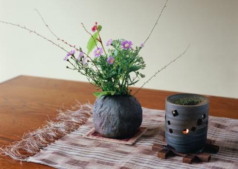 Flower Arrangement「Tea Incense Lamp and Flower Arrangement」:スマホ壁紙(14)