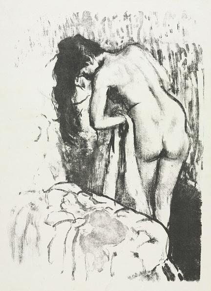Drying「Nude Woman Standing」:写真・画像(6)[壁紙.com]