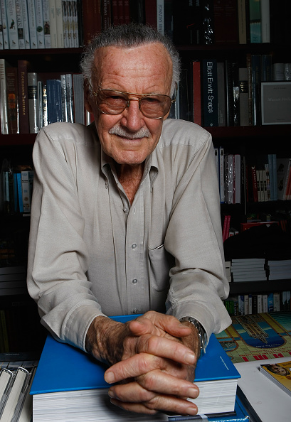 Portrait「Stan Lee Portrait Session And Book Signing At Book Soup」:写真・画像(2)[壁紙.com]
