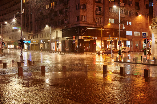 Romania「Rainy Night in Bucharest, Romania」:スマホ壁紙(7)
