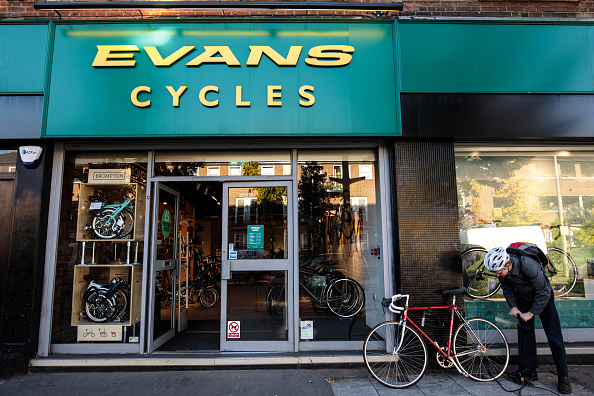 Finance and Economy「Evans Cycles Becomes Latest Acquisition Of Mike Ashley's Sports Direct Firm」:写真・画像(13)[壁紙.com]