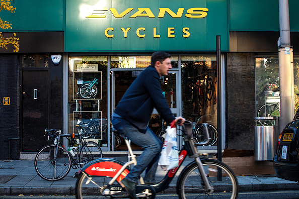 Finance and Economy「Evans Cycles Becomes Latest Acquisition Of Mike Ashley's Sports Direct Firm」:写真・画像(11)[壁紙.com]