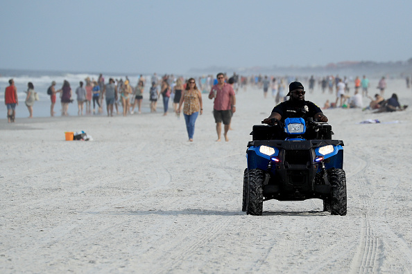 Jacksonville Beach「Jacksonville, Florida Re-Opens Beaches After Decrease In COVID-19 Cases」:写真・画像(3)[壁紙.com]