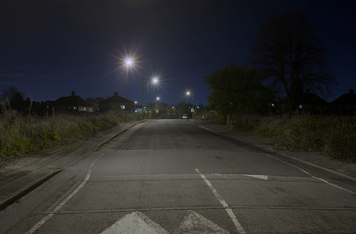 Road Marking「Suburban street at night」:スマホ壁紙(15)