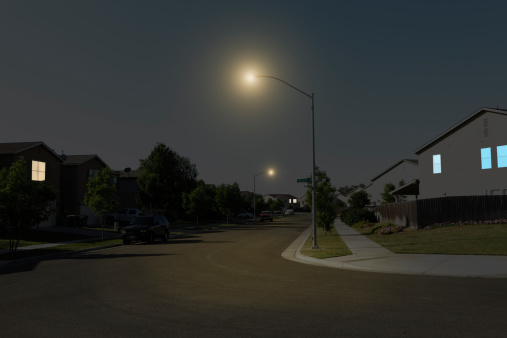 USA「Suburban Street at Night」:スマホ壁紙(12)