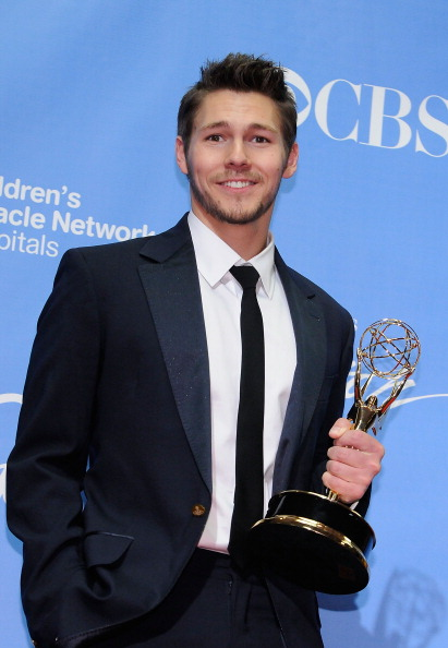 David Becker「38th Annual Daytime Entertainment Emmy Awards - Press Room」:写真・画像(17)[壁紙.com]