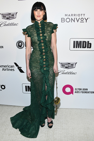 Gold Purse「Marriott Bonvoy Moments At The 27th Annual Elton John AIDS Foundation Academy Awards Viewing Party Celebrating EJAF And The 91st Academy Awards - Arrivals」:写真・画像(12)[壁紙.com]