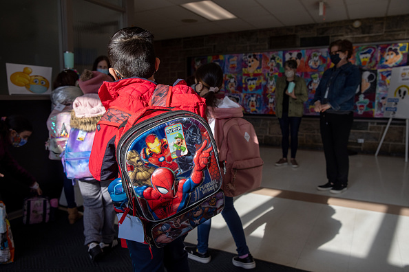 Arrival「Students Return To Classrooms Full Time As Pandemic Restrictions Ease」:写真・画像(19)[壁紙.com]