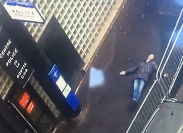 Best shot「Man Shot Dead By Police In Paris Street After Wielding Knife」:写真・画像(19)[壁紙.com]