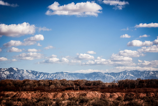 Sandia Mountains「Majestic Cloudscape over Sandia Mountains in New Mexico」:スマホ壁紙(14)