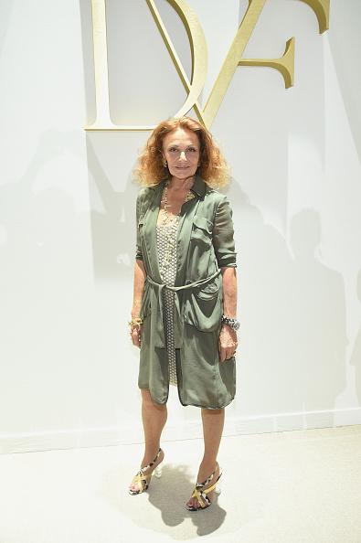 Diane von Fürstenberg - Fashion Designer「Diane Von Furstenberg - Front Row - Spring 2016 New York Fashion Week」:写真・画像(1)[壁紙.com]